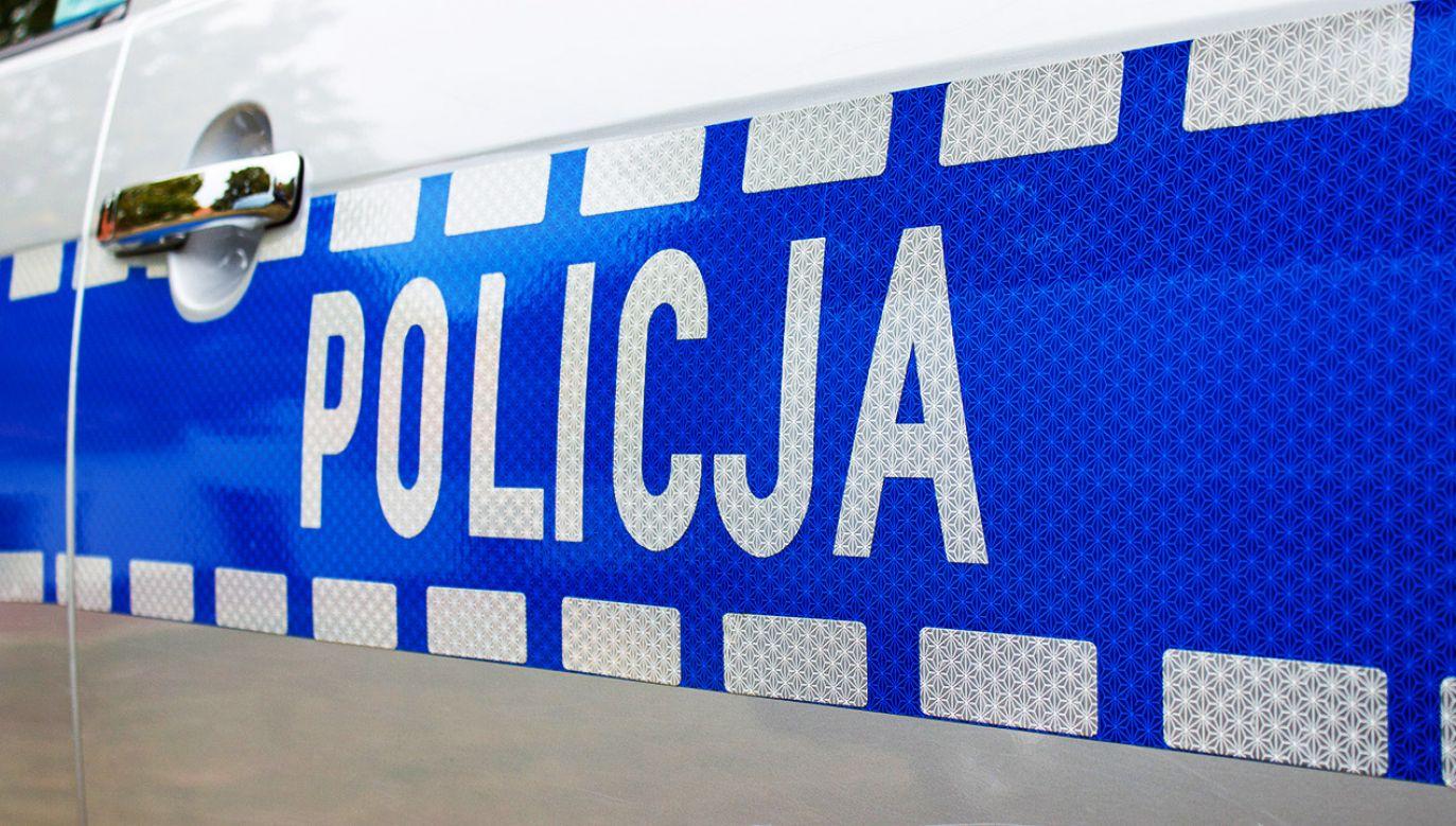 Na miejscu prokurator i policjanci zabezpieczają ślady przestępstwa (fot. Shutterstock, zdjęcie ilustracyjne)