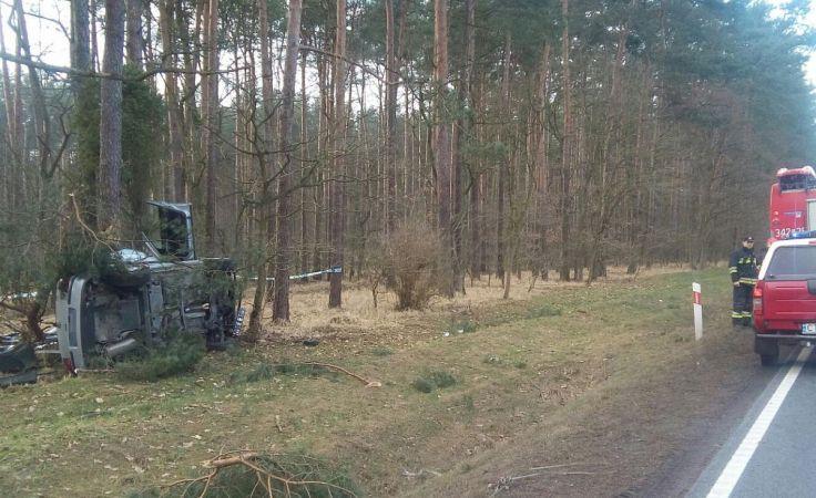 Kierująca golfem nie przeżyła wypadku (fot. KMP w Toruniu)