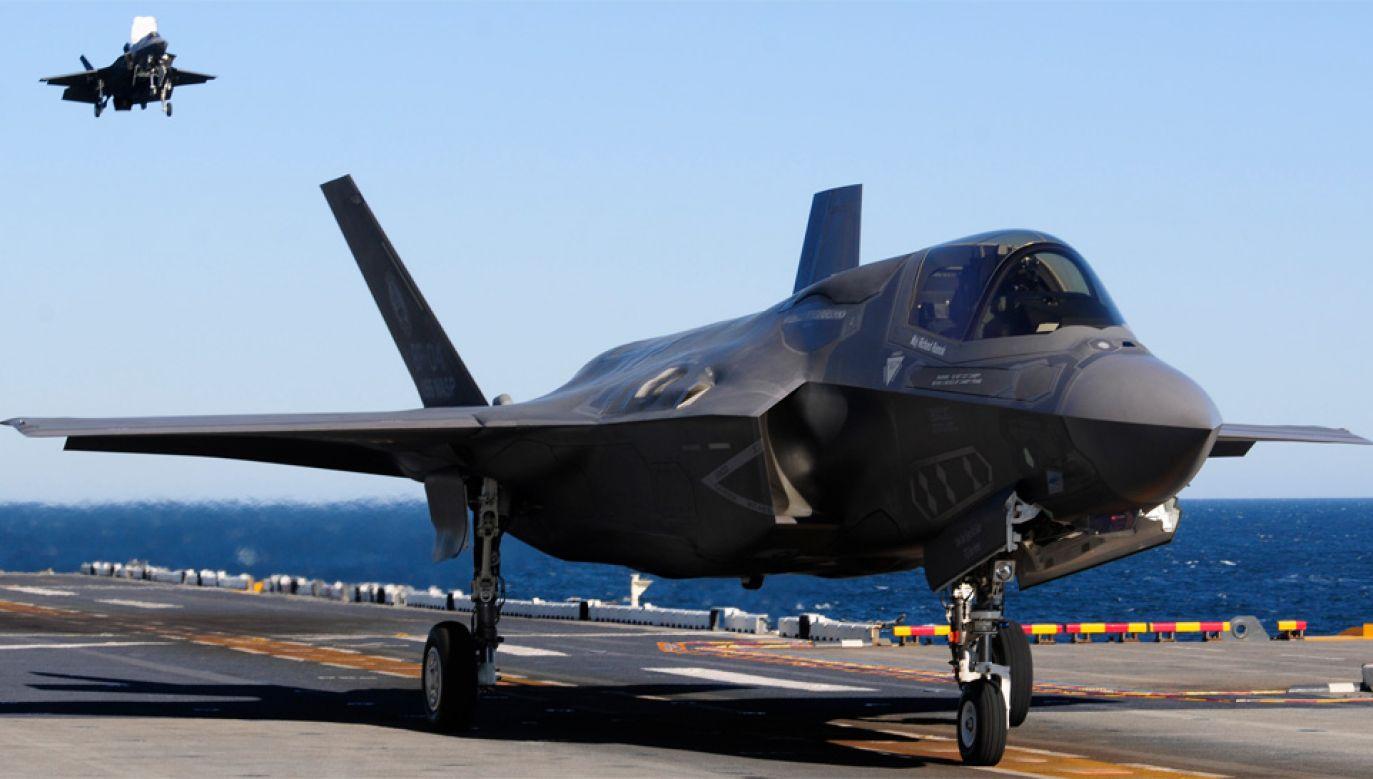 Japonia chce m.in. kupić niewidzialne dla radarów amerykańskie myśliwce F-35B (fot. Flickr/Marine Corpse)