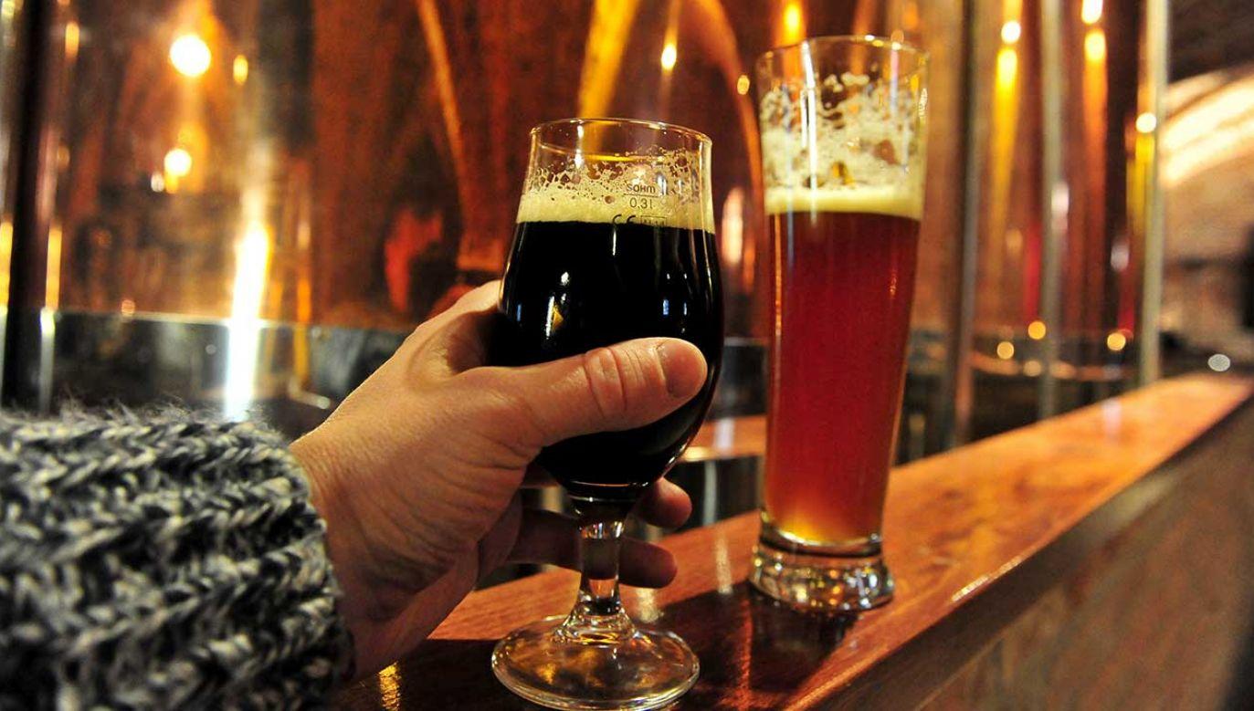 Roczny eksport polskiego piwa wynosi ponad 3,3 mln hektolitrów (fot. arch. PAP/Marcin Bielecki)