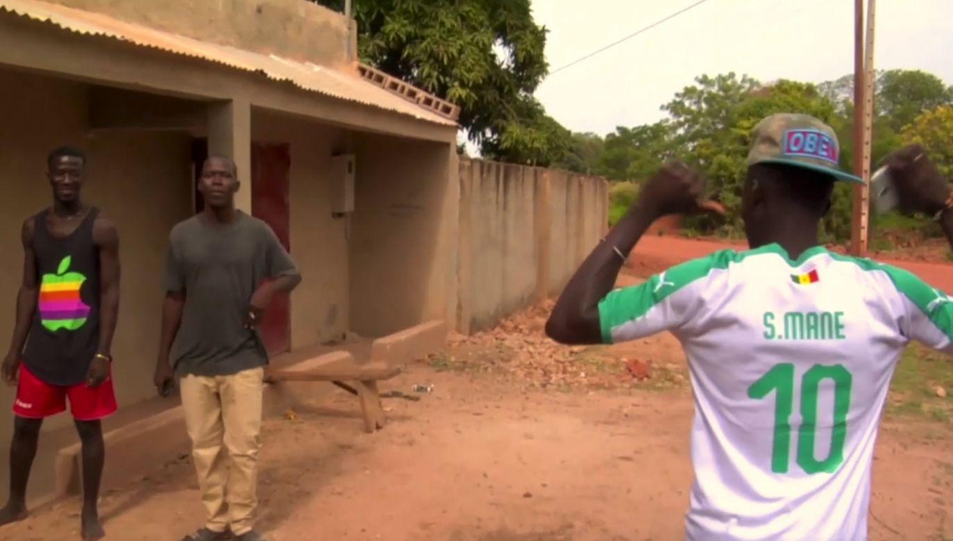 Piłkarz wychowywał się w małej wiosce Bambali na południu kraju