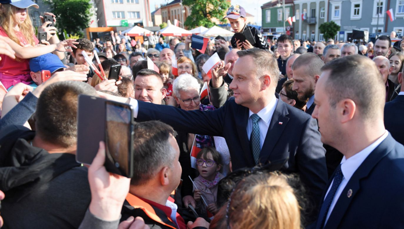 Prezydent Andrzej Duda spotkał się z mieszkańcami Lubaczowa (fot. PAP/Darek Delmanowicz)