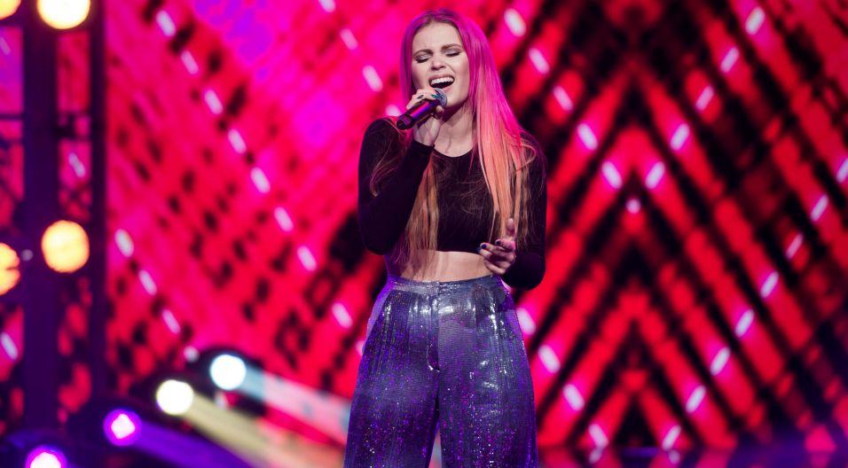 """Kolejna zwyciężczyni """"The Voice of Poland"""" – Marta Gałuszewska, na Opolskiej scenie wystąpi z kompozycją  """"Nie mów mi nie"""" (fot.TVP)"""