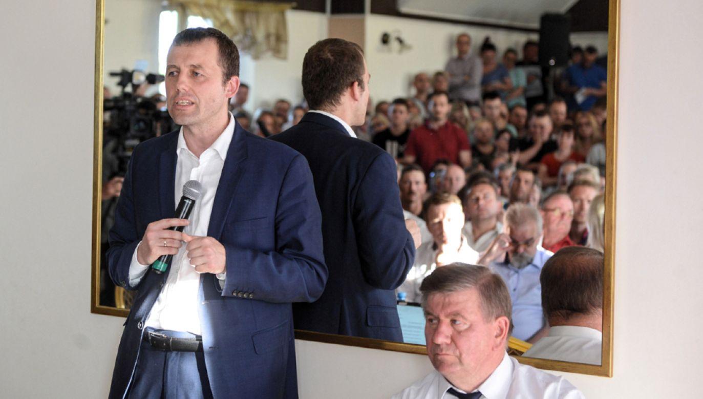 Sekretarz stanu w Ministerstwie Infrastruktury, pełnomocnik rządu ds. CPK Mikołaj Wild (L) (fot. PAP/Jakub Kamiński)