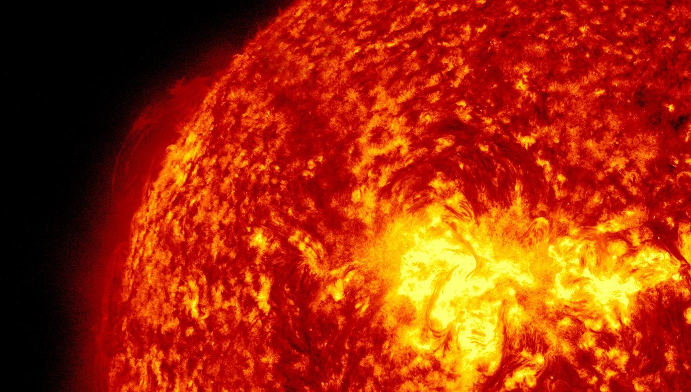 Pomiędzy 2 a 4 sierpnia 1972 r. region słoneczny MR 11976 wykonał serię rozbłysków słonecznych, które wyrzuciły mnóstwo naładowanych cząsteczek (fot. SDO/NASA/ Getty Images)