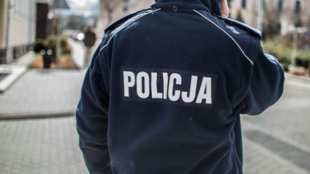 Policjantom nie było do śmiechu (fot. tvp.info/Paweł Chrabąszcz)