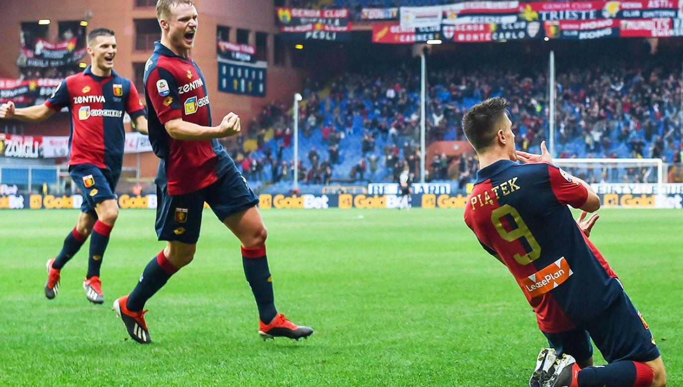 Krzysztof Piątek strzelił 13 goli w 19 meczach włoskiej ligi (fot. arch.PAP/EPA/SIMONE ARVEDA)