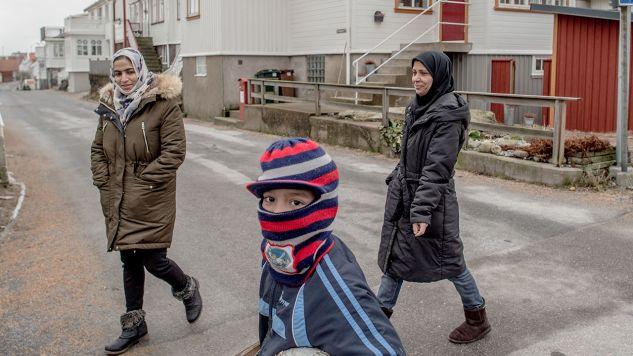 Przymusowe małżeństwa i okaleczanie żeńskich narządów płciowych są w Szwecji nielegalne  (fot. David Ramos/Getty Images)