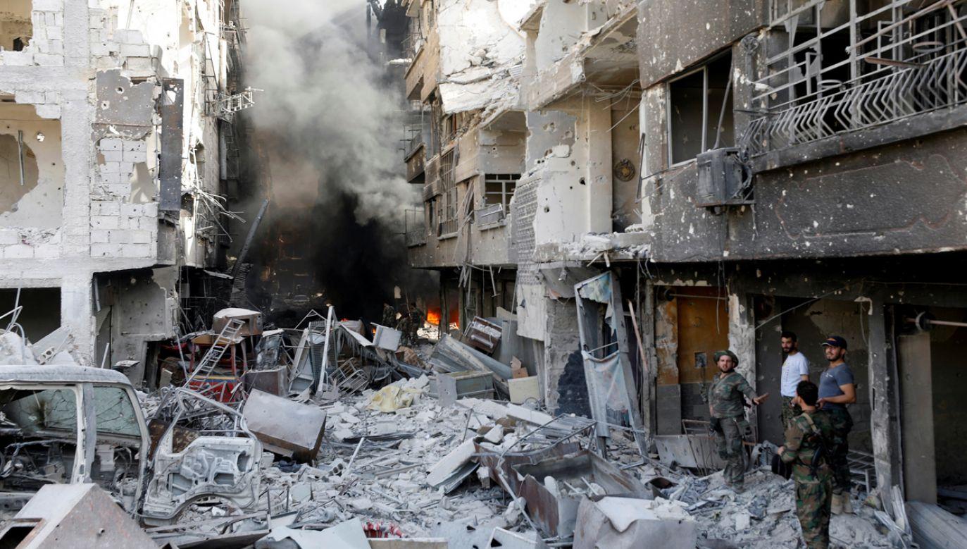 Syryjscy żołnierze w mieście al-Hajar al-Aswad, 21 maj br. (fot.  REUTERS/Omar Sanadiki)