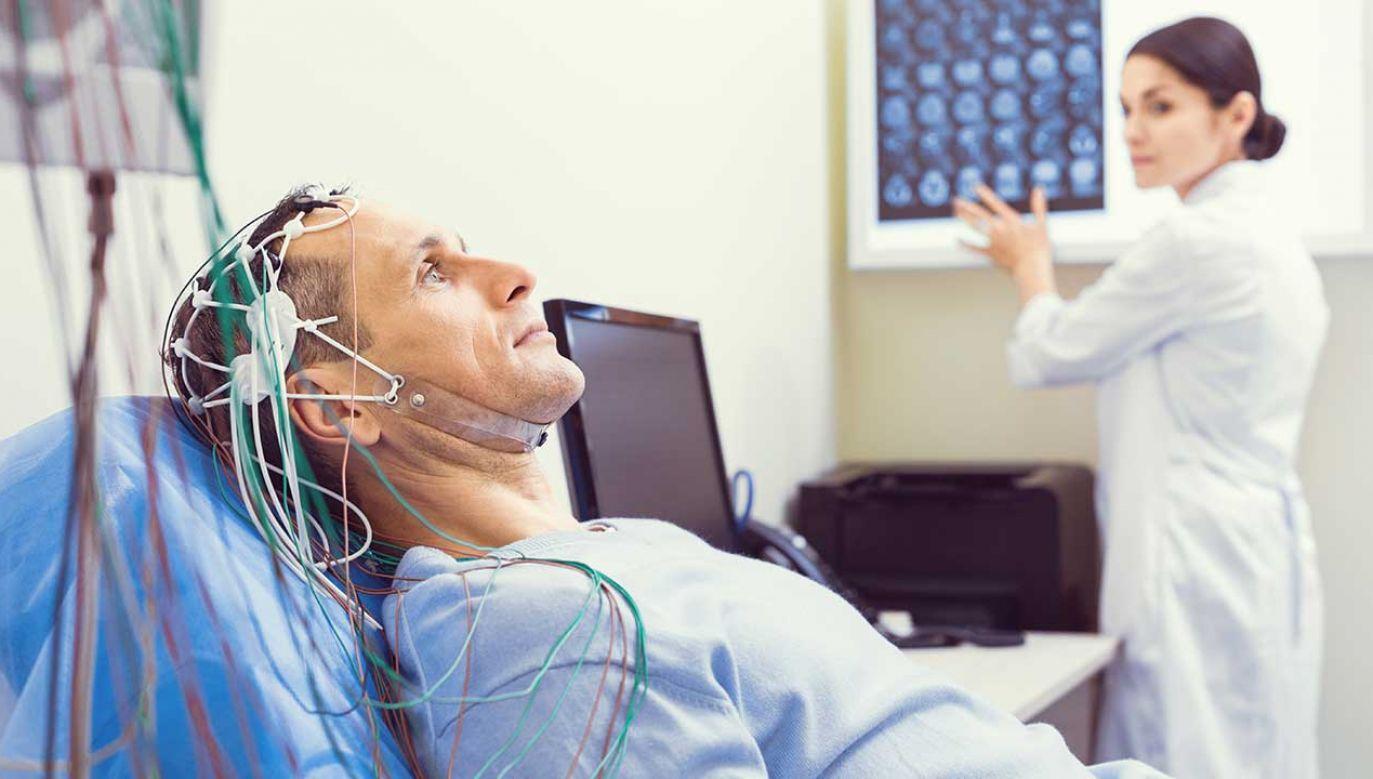 Pozytywne efekty stymulowania prądem mózgu (fot. Shutterstock/YAKOBCHUK VIACHESLAV)