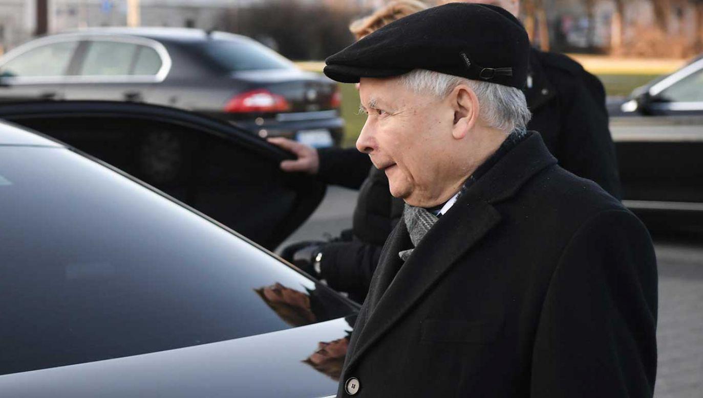 """""""Działając jako pokrzywdzony, zawiadamiam o podejrzeniu popełnienia przestępstw zniesławienia"""" – napisał Jarosław Kaczyński (fot. arch. PAP/Radek Pietruszka)"""
