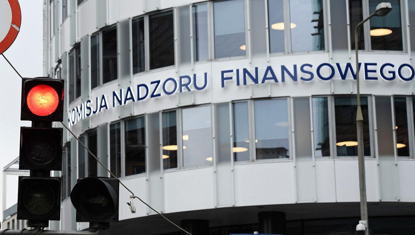 Siedziba Komisji Nadzoru Finansowego w Warszawie (fot. PAP/Radek Pietruszka)