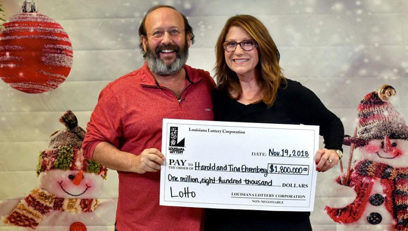 Tina i Harold Ehrenbergowie zdążyli zgłosić wygraną niemal w ostatnim momencie (fot. TT/Louisiana Lottery)