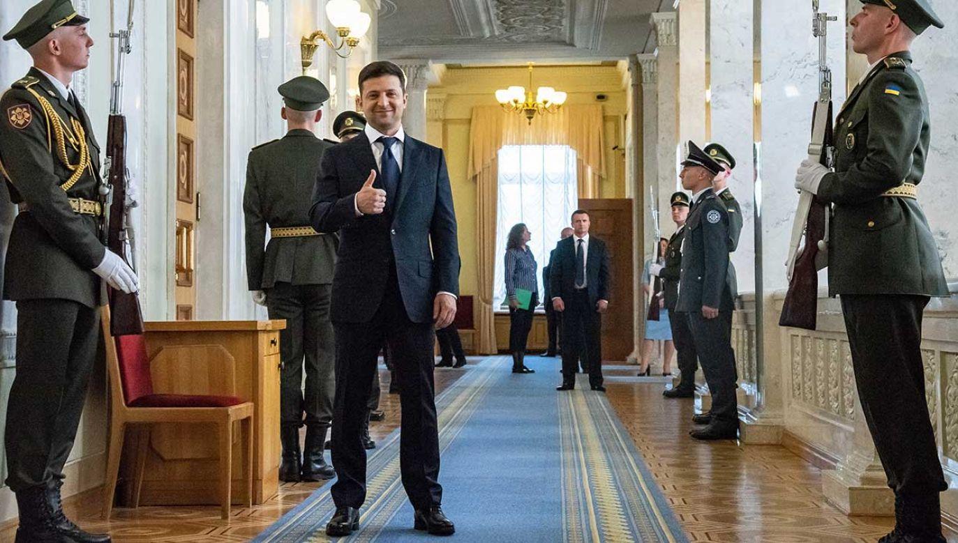 Zełenski, showman i producent telewizyjny, wygrał drugą turę wyborów prezydenckich, która odbyła się na Ukrainie 21 kwietnia (fot. PAP/EPA/ZOYA SHU / POOL)