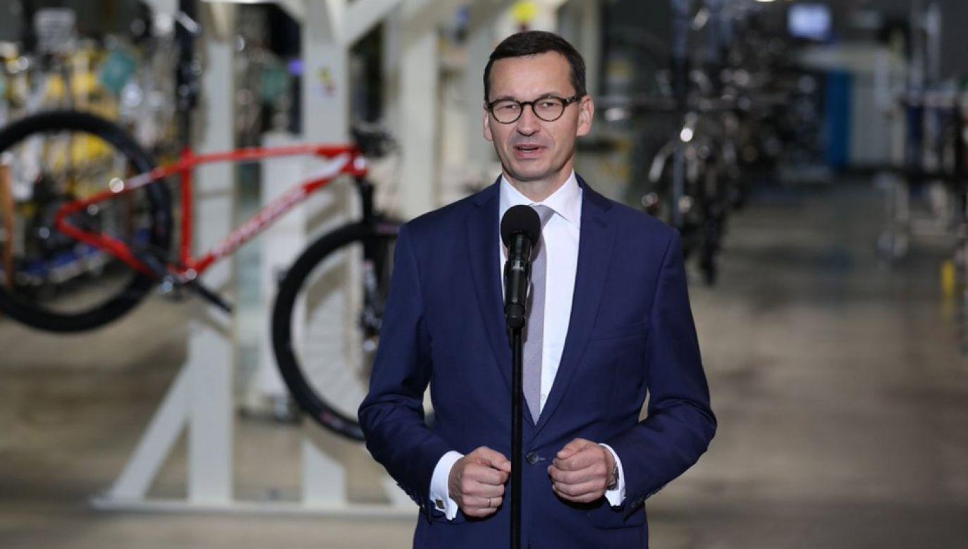 Premier Mateusz Morawiecki odwiedził firmę produkującą rowery Kross w Przasnyszu (fot. Twitter/KPRM)