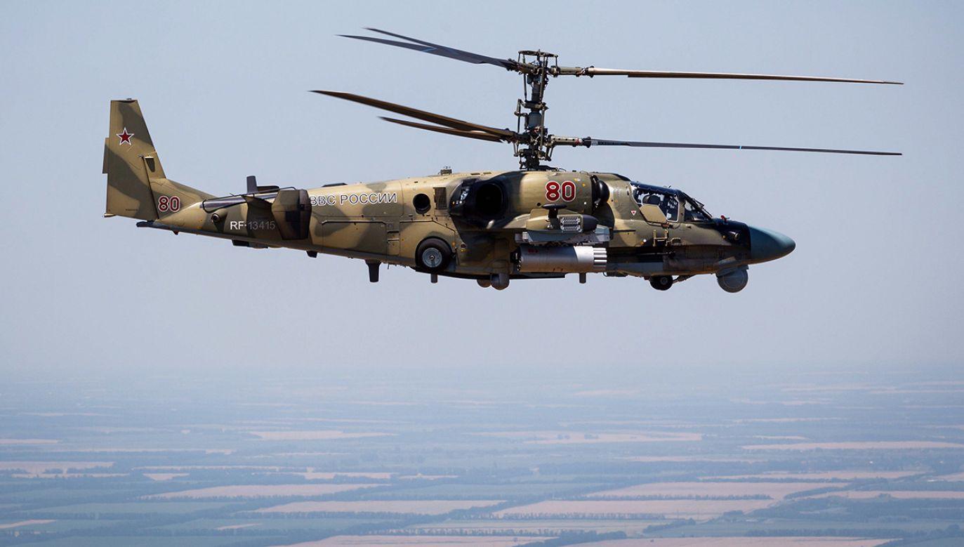 Rosyjski śmigłowiec szturmowy Kamov Ka-52 (fot. arch. PAP/TASS/Vitaly Timkiv)
