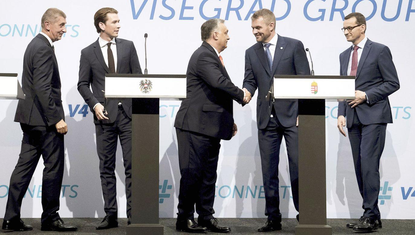 Portal jest poświęcony krajom Grupy Wyszehradzkiej (fot. PAP/EPA/SZILARD KOSZTICSAK)
