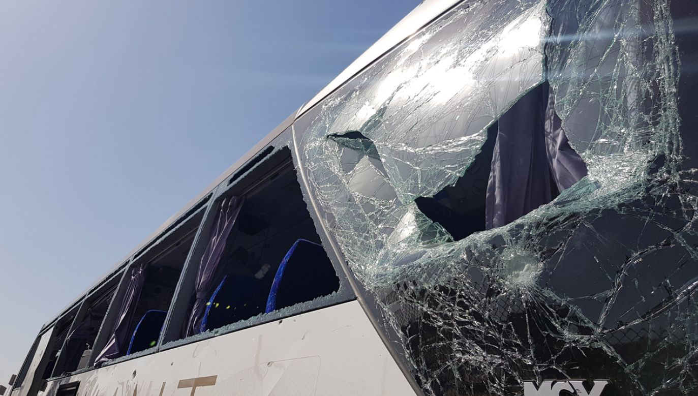 Prawdopodobnie eksplodował ładunek wybuchowy umieszczony na drodze (fot. Reuters/Ahmed Fahmy)