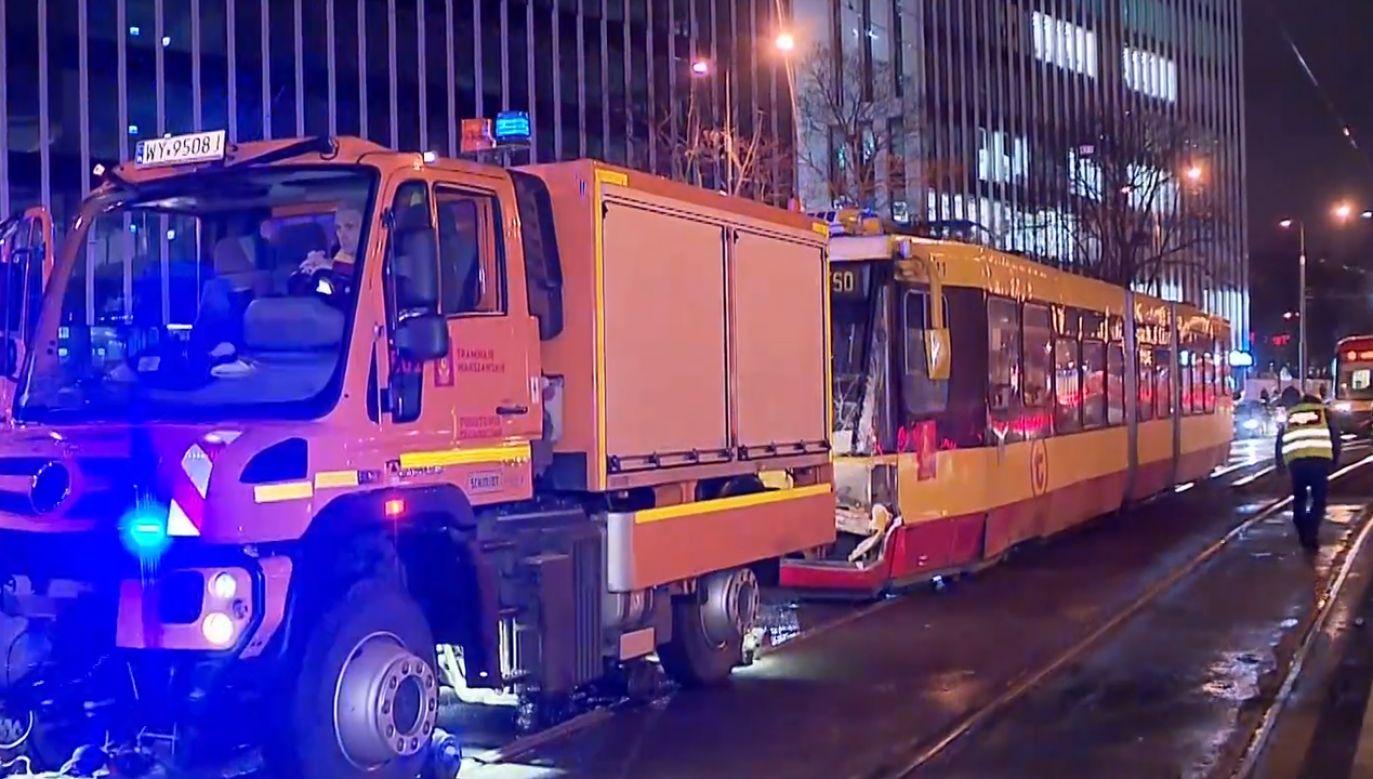 Do zderzenia doszło podczas przejeżdżania przez zwrotnice (fot. TVP info)