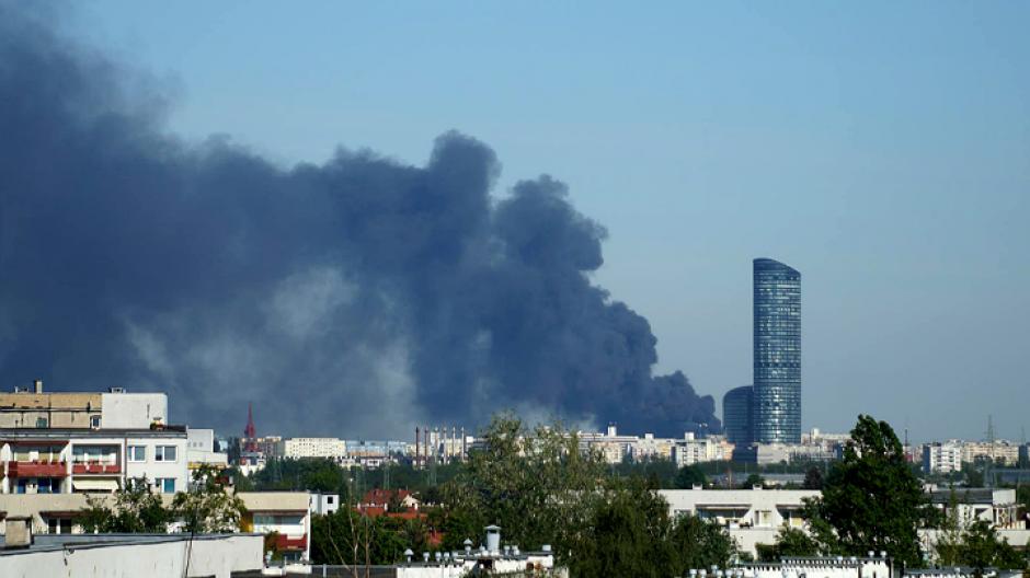 Pożar widoczny z Muchoboru Małego (fot. p. Tomasz / widzowie@fakty.com)