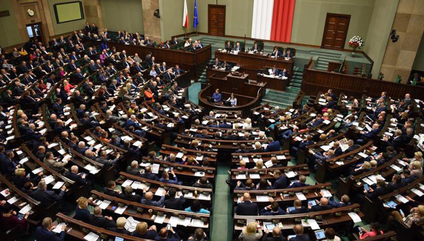 Sześciu nowych posłów złożyło ślubowanie w Sejmie (fot. Kancelaria Sejmu/Marta Marchlewska)