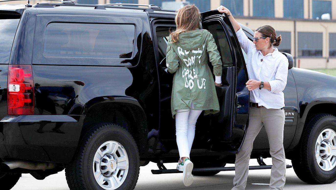 Rzeczniczka pierwszej damy USA zaprzecza, że kurtka miała być ukrytym przesłaniem (fot.  REUTERS/Kevin Lamarque)