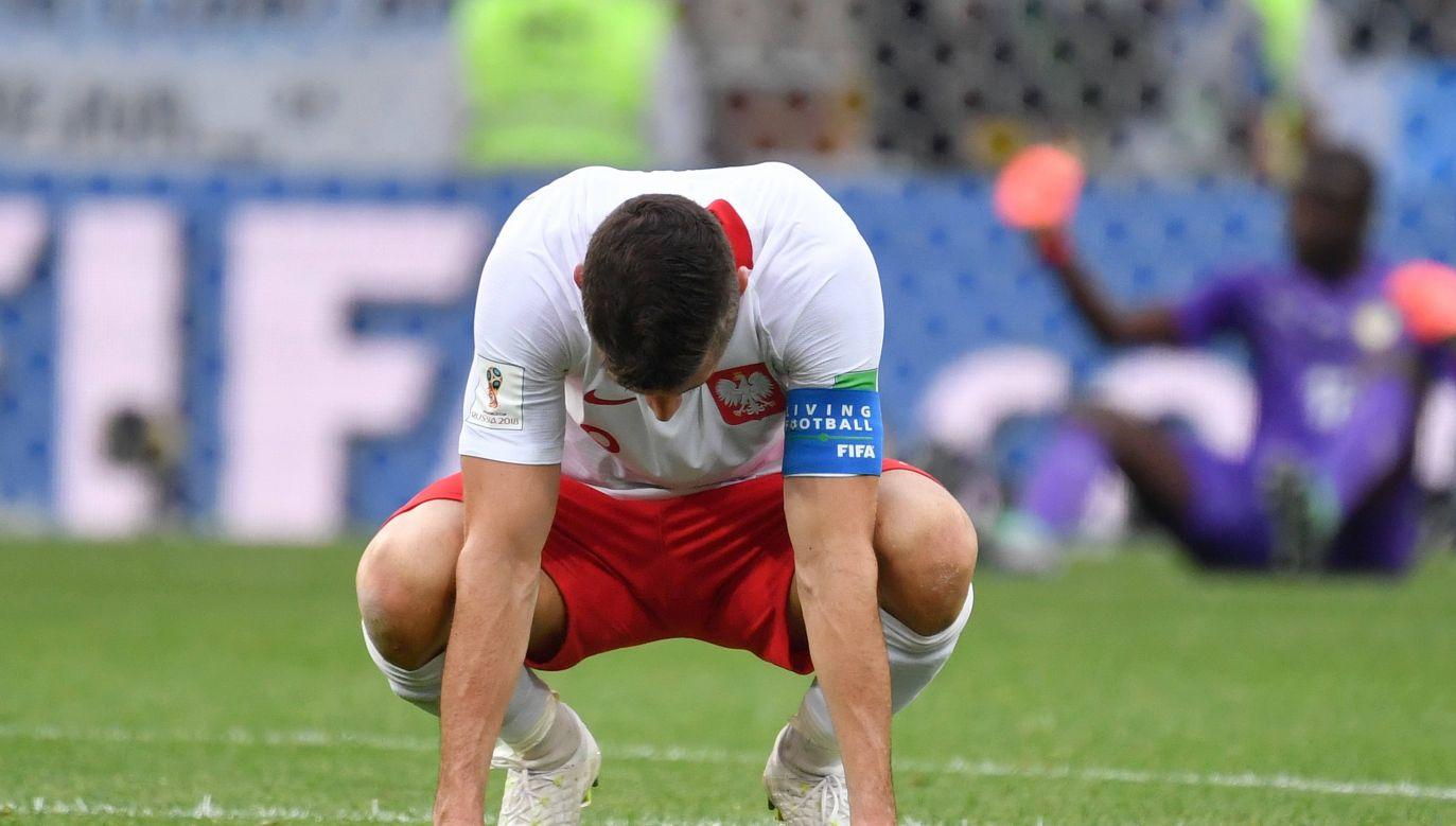 Polish captain Robert Lewandowski devastated after team's performance against Senegal. Photo: PAP/DPA/Frank Hoermann/SVEN SIMON