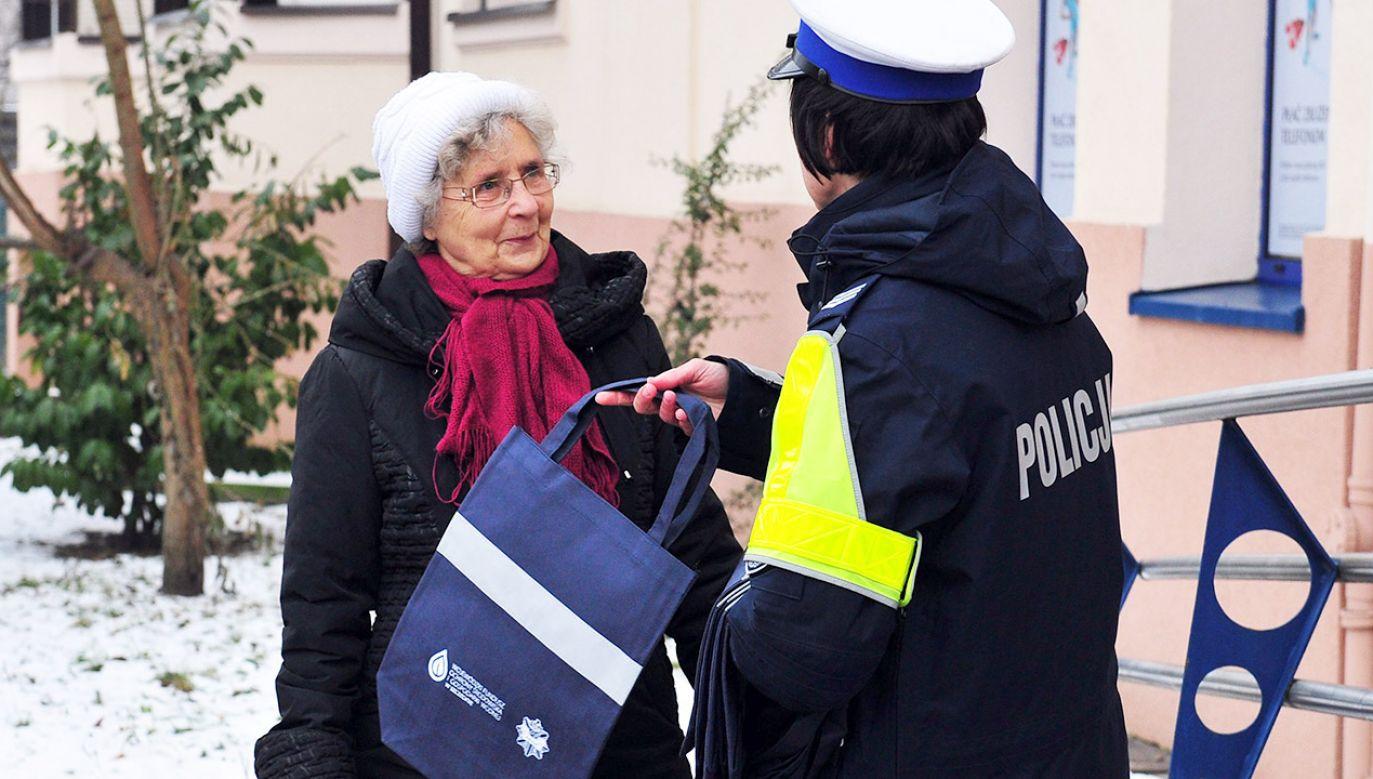 Najwięcej pokrzywdzonych seniorów to mieszkańcy Warszawy i okolic (fot. arch.PAP/Marcin Bielecki)