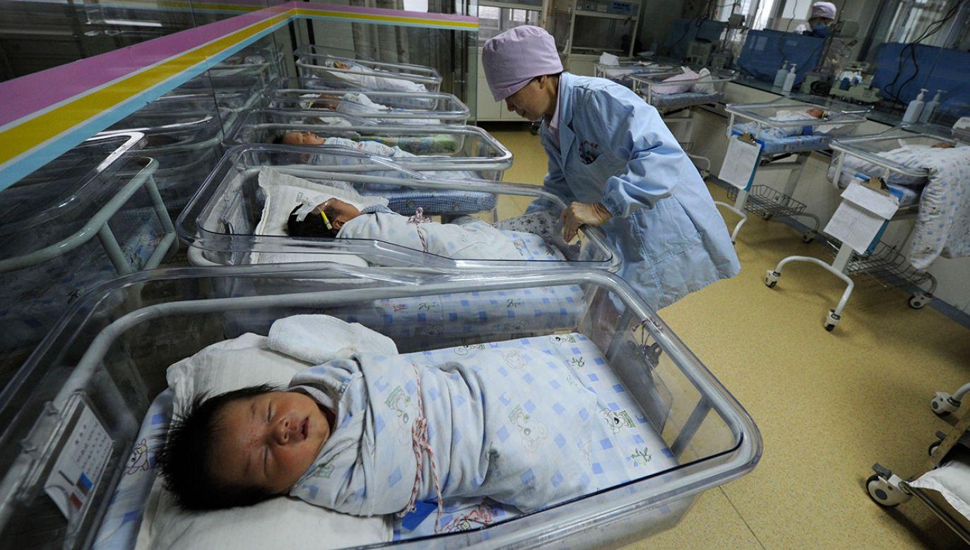 W ubiegłym roku w Chinach urodziło się 15,23 miliona dzieci – o dwa miliony mniej niż w roku 2017 (fot. REUTERS/Stringer)