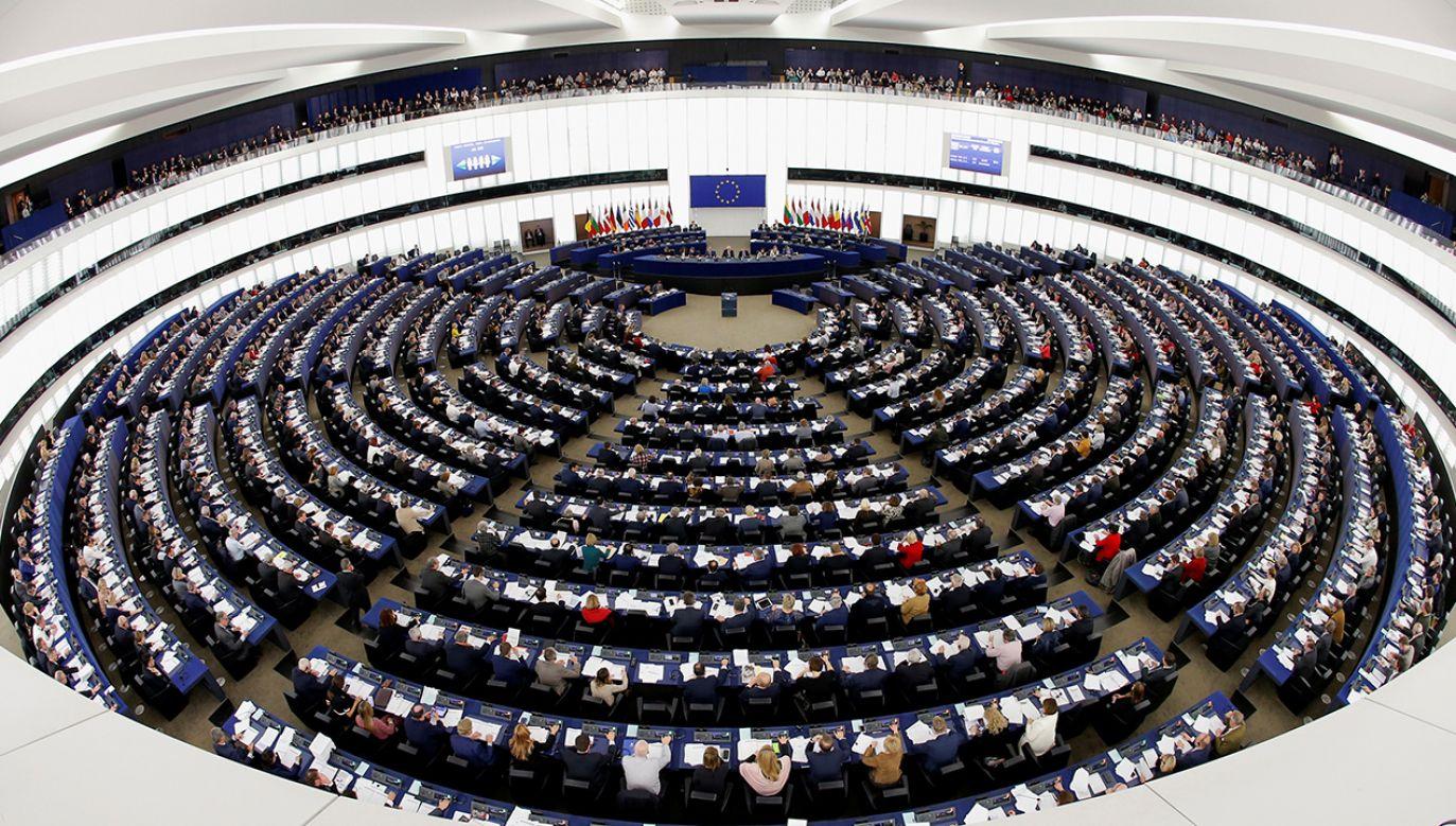 Ostatnia prosta przed startem kampanii do PE (fot. REUTERS/Vincent Kessler)