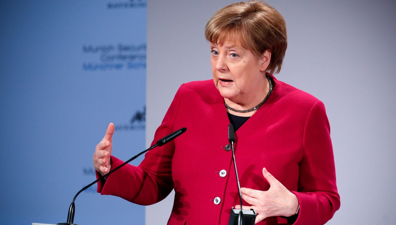 Kanclerz Merkel wciąż jest najpopularniejszym politykiem w Niemczech, ale działacze jej partii obawiają się, że jej obecność w kampanii bardziej zaszkodzi niż pomoże (fot. PAP/EPA/Rolad Wittek)