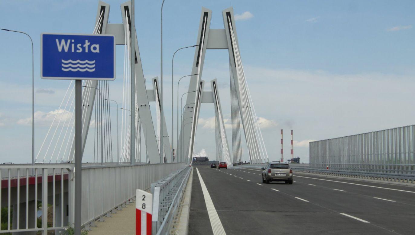 """""""Na bieżąco monitorujemy obiekty inżynierskie, aby utrzymywać ich stan na poziomie zapewniającym komfort i bezpieczeństwo podróżujących"""" – zapewnia GDDKiA (fot. TT/GDDKiA)"""
