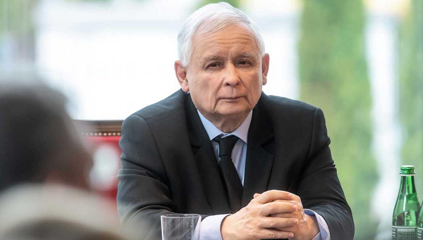 Kluczowym elementem propozycji prezesa PiS ma być zwiększenie czasu pracy (fot. PAP/Tytus Żmijewski)