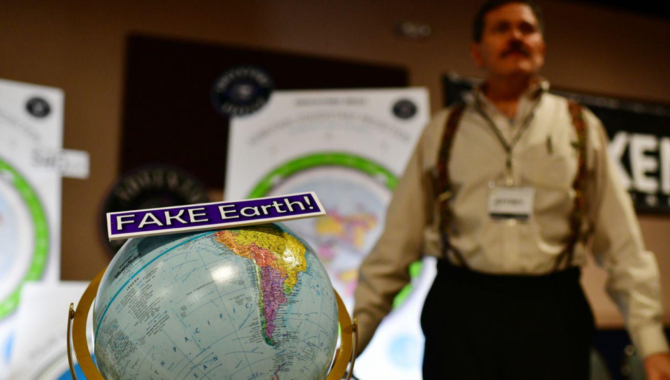 Zwolenników teorii o tym, że Ziemia jest płaska, jest coraz więcej (fot. Hyoung Chang/The Denver Post via Getty Images)