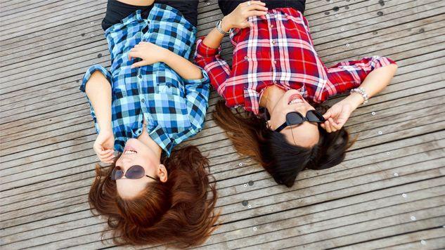 Polscy nastolatkowie są zadowoleni z życia (fot. Pexels)