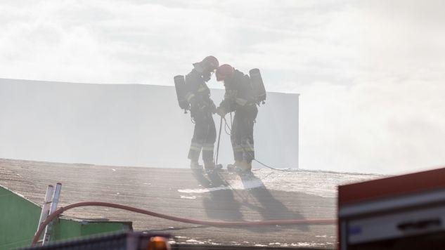 Pożar wybuchł około godz. 7:20 (fot.PAP/Paweł Jaskółka)