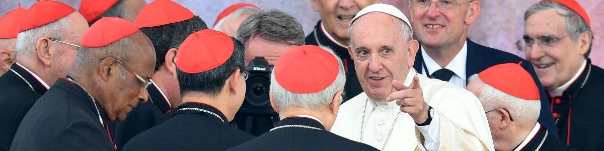 Papież powitany na Błoniach