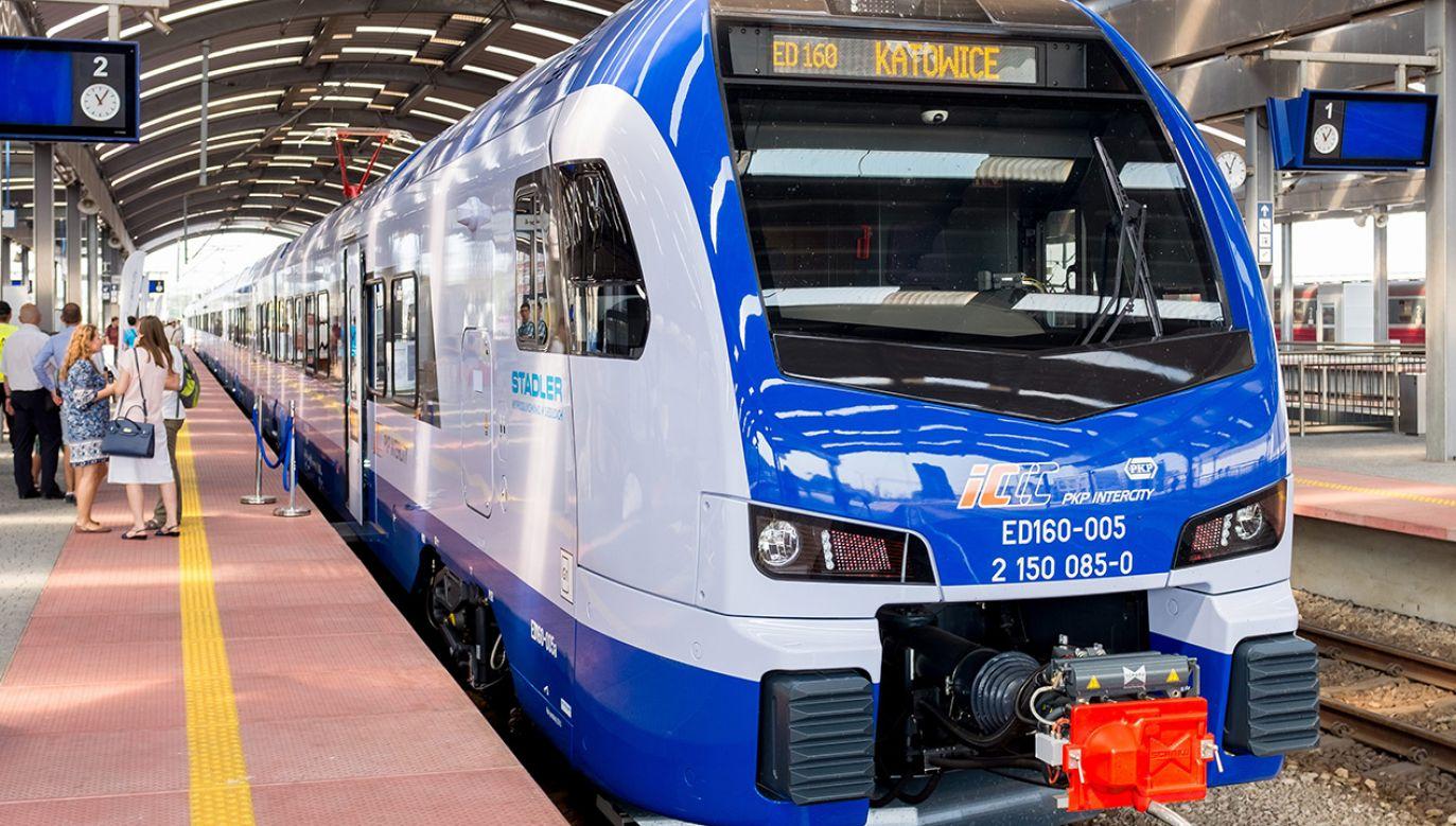Siedlecka fabryka Stadlera dostarczyła już dla PKP Intercity 20 składów Flirt (fot. arch. PAP/Andrzej Grygiel)