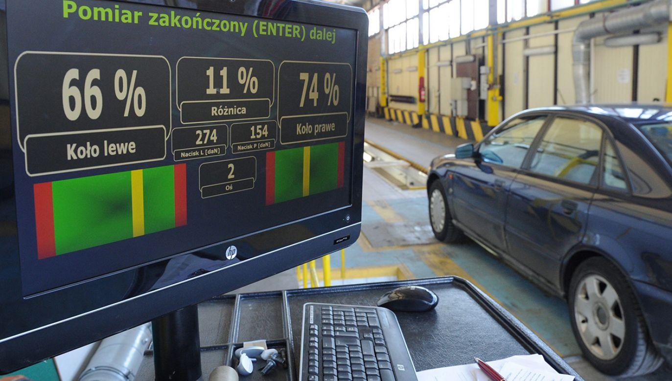 Z tego procederu podejrzani zrobili stałe źródło dochodu (fot. arch. PAP/Marcin Bielecki)