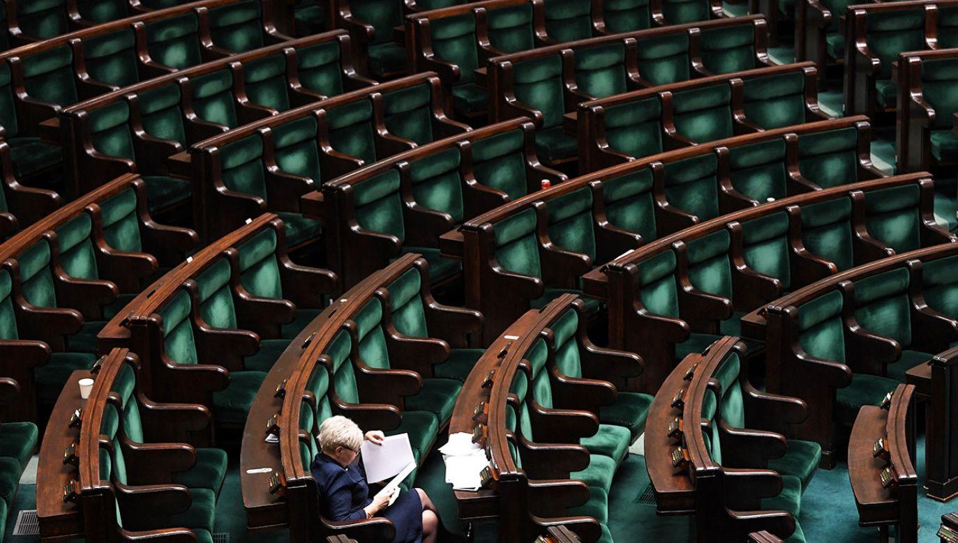 Pogłoski o przyspieszonych wyborach Adam Bielan nazwał kaczką dziennikarską (fot. PAP/Bartłomiej Zborowski)