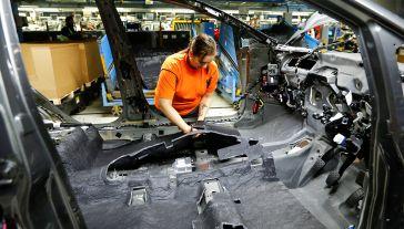 Ford zatrudnia w Europie około 53 tys. osób (fot.  REUTERS/Wolfgang Rattay)