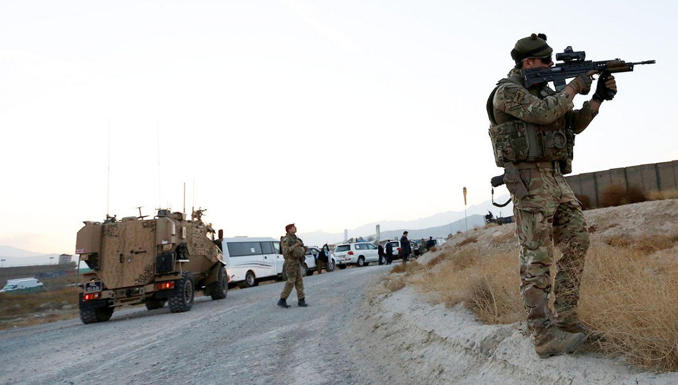 """To  kolejne zgłoszenie z terenu powiatu bialskiego, gdzie sprawca podał się za żołnierza przebywającego """"na misji"""" (fot.   REUTERS/Mohammad Ismail)"""