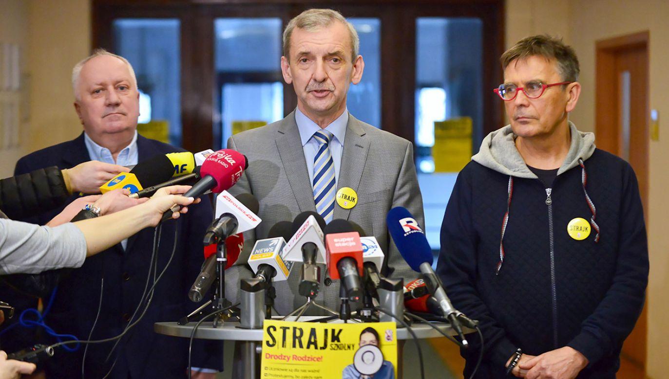 Sławomir Broniarz odpowiedział na apel minister edukacji (fot. PAP/Jakub Kamiński)