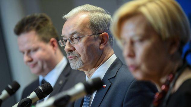 Minister inwestycji i rozwoju Jerzy Kwieciński skomentował dzisiejsze głosowanie w PE (fot. PAP/Marcin Obara)