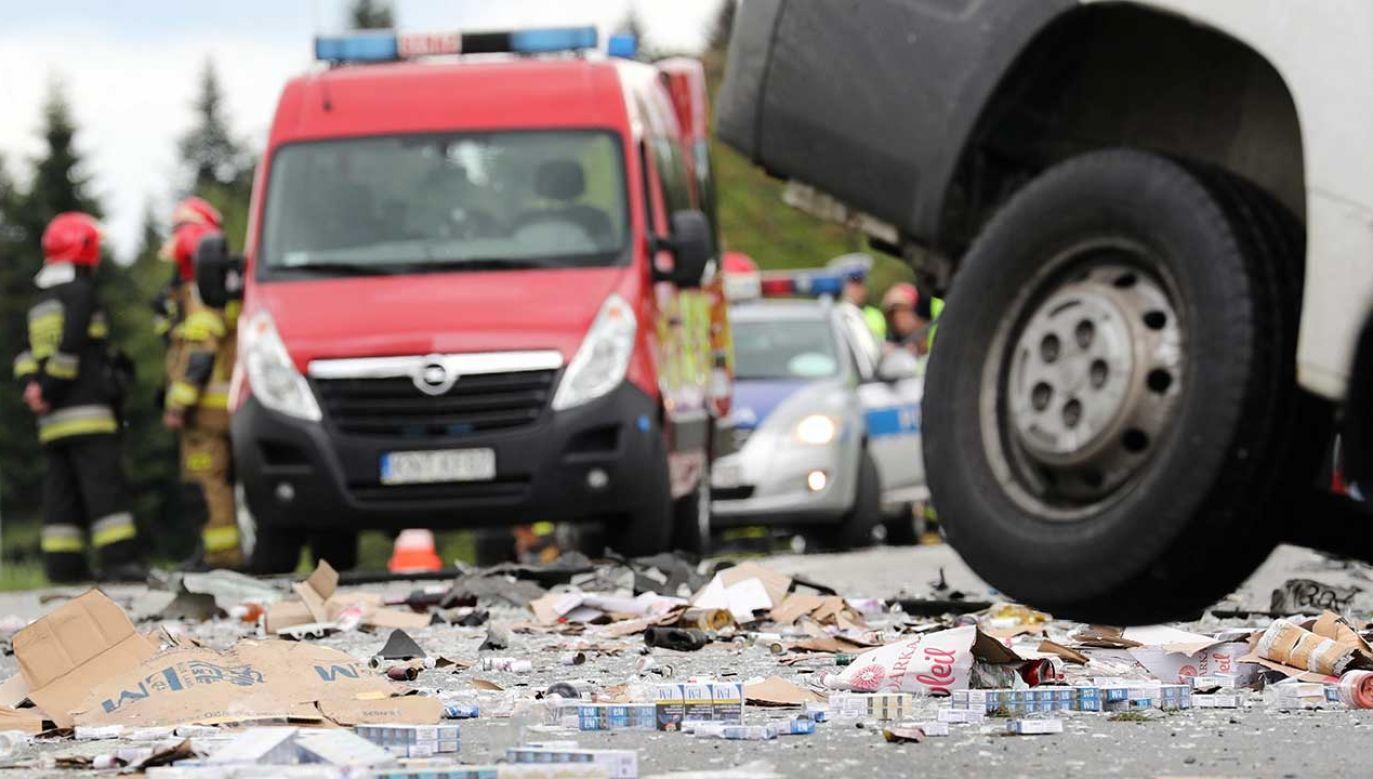 Miejsce wypadku na Zakopiance w miejscowości Rdzawka (fot. PAP/Grzegorz Momot)