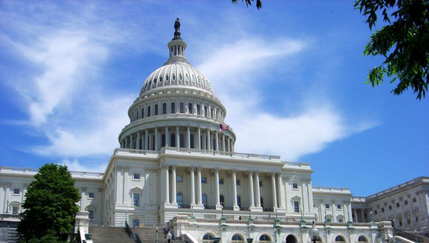 Teraz ustawa trafi do podpisu prezydenta (fot. Wikimedia Commons/Kmccoy)