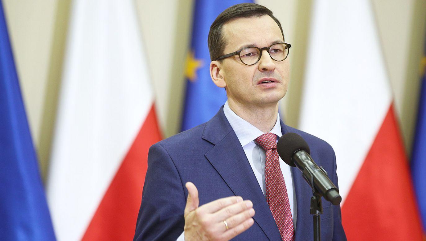 Premier Mateusz Morawiecki powiedział, że powaga państwa polskiego wymaga, aby każdy maturzysta mógł podejść do egzaminów w terminie (fot. PAP/Łukasz Gągulski)