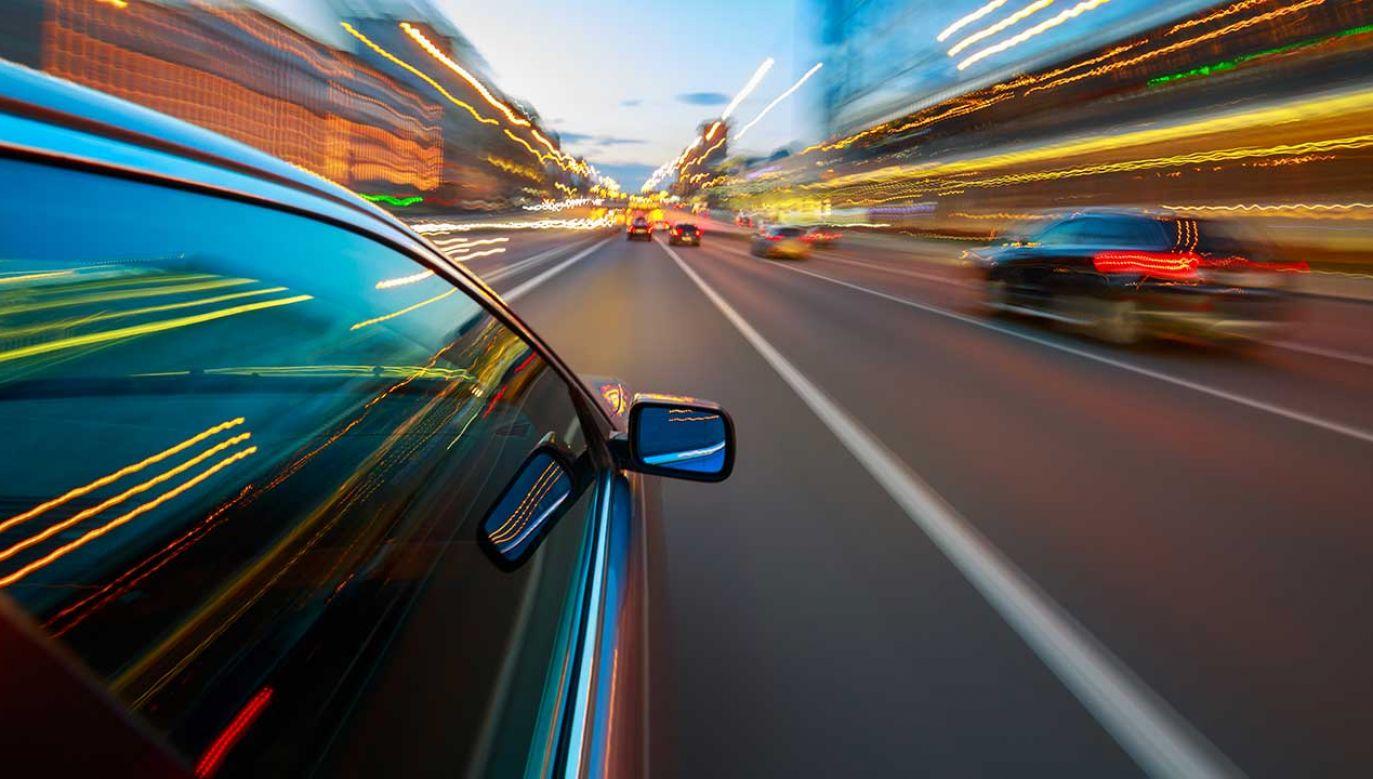 """Do zatrzymania kobiety doszło podczas akcji """"Prędkość"""" (fot. Shutterstock/Pozdeyev Vitaly)"""