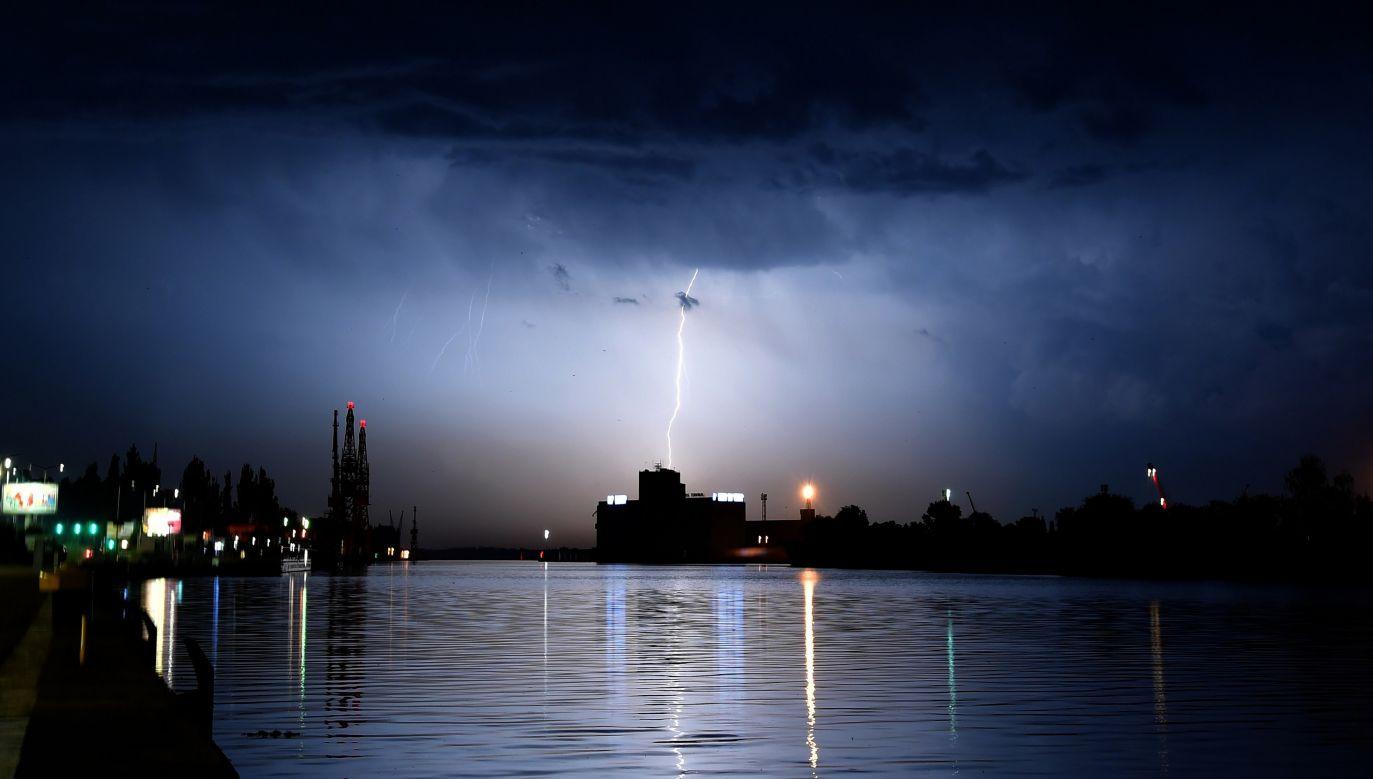 Burza w Szczecinie (fot. PAP/Marcin Bielecki )