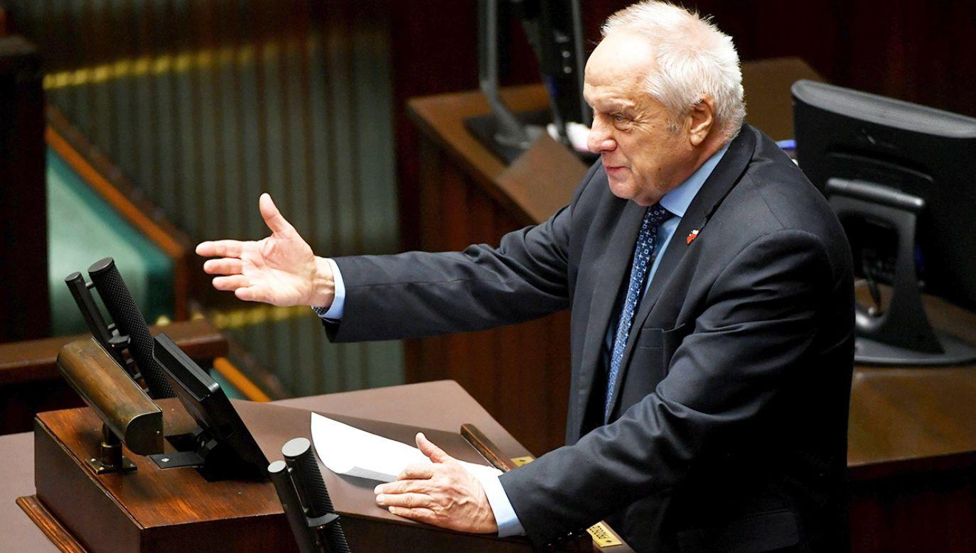 Poseł Stefan Niesiołowski w Sejmie,  (fot. arch.PAP/Bartłomiej Zborowski)